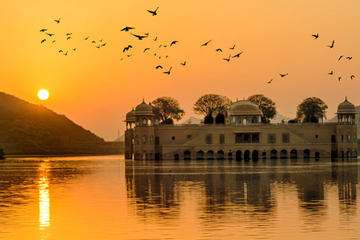 2-Day Private Tour of Jaipur from Delhi By Car