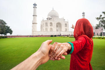 Private 6-Night Honeymoon from New Delhi: Taj Mahal, Agra, Khajuraho