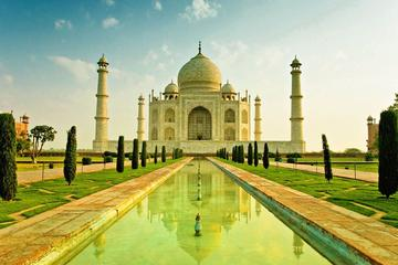 Private Taj Mahal Agra Day Trip by India's Fastest Train from Delhi