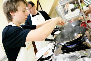 タイ料理教室と現地マーケットの訪問