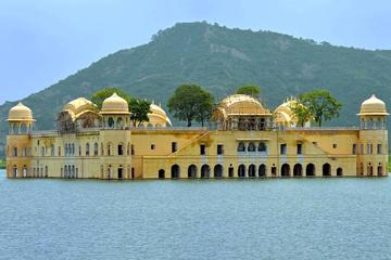 3 Days Private Tour of Jaipur From New Delhi With Accommodation in...