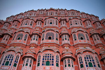 Private Full-day Jaipur Tour: Amber Fort, City Palace, Water Palace, with Lunch