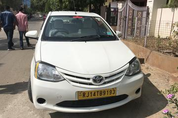 Private One Way Transfer From Jaipur To Agra in AC Vehicle