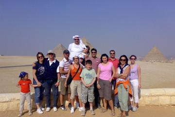 Excursão diurna nas Pirâmides de Gizé e Museu Egípcio saindo do Cairo