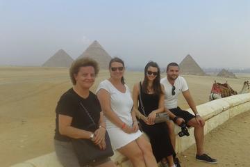 Excursión a las pirámides de Guiza y...