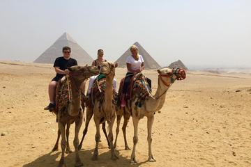 Giza Pyramids and Sphinx: Guided Day Tour from Cairo