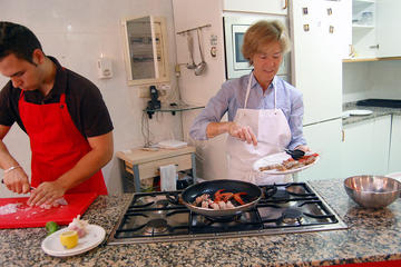 Experiencia de elaboración práctica de paella en Barcelona