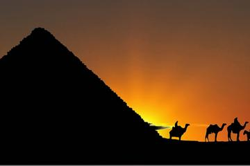 Tour con scalo privato di 3 giorni al Cairo: piramidi, sfinge, tesori