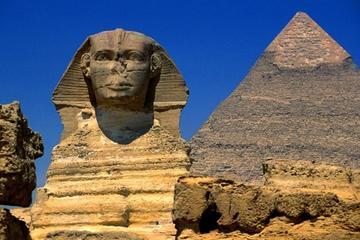 Transito privato di 2 giorni al Cairo per un tour delle Piramidi