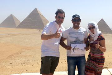 Great Pyramids of Giza, Saqqara and Memphis Private Day Tour