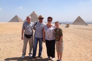 Tour privato delle piramidi, Museo Egizio e Cairo copto con giro in
