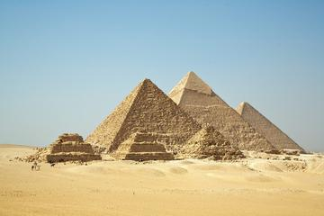 Visit the Pyramids, the Sphinx, the Valley Temple, Sakkara and Dahshur with a Private Guide