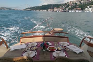 Private Bosporus-Bootsfahrt mit Frühstück und Rundgang
