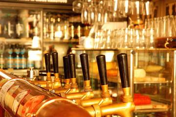 Small-Group Beer tour: Wednesday bar crawl