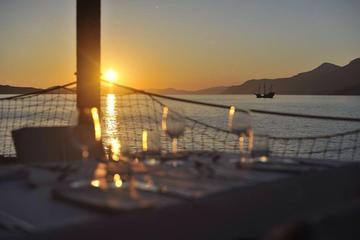 Luxury Dining Experience from Dubrovnik: Boat Trip to Restaurant Villa Ruza Kolocep