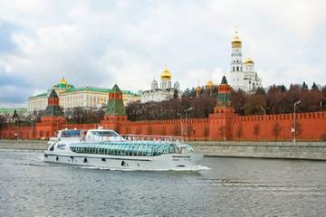 Malerische Flussfahrt auf der Moskwa mit Reiseleiter