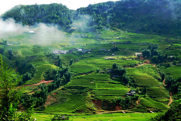 Excursión de dos días a Mai Chau y la Reserva Natural Pu Luong de...