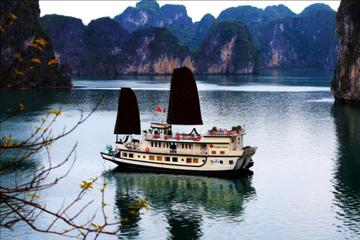 2-Day Halong Bay Overnight Cruise from Hanoi