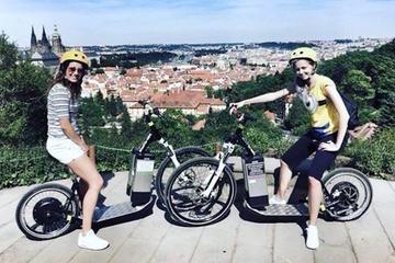 Rundtur i Prag på elscooter: Grand City Tour