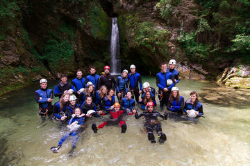 Canyoning- und Rafting-Abenteuer in...
