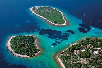 Tur i motorbåt til Den blå lagunen og Trogir