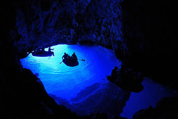 Entspannende Bootstour zur Blauen Grotte und zum Strand in Biševo von...