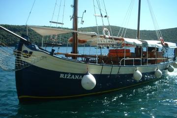 Excursión de un día a la Laguna Azul y Trogir con almuerzo desde Split
