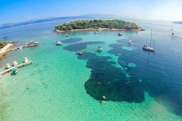 Picnic en barco a Trogir y la Laguna Azul con todo incluido desde...