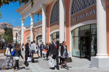Small-Group Tour: A Day Outlet Shopping Tour Castel Romano Fashion...