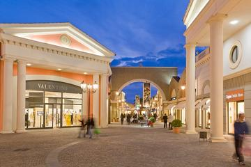 Tour di shopping privato: un tour giornaliero all'outlet Castel