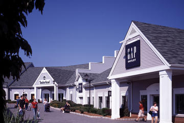 Woodbury Common Premium Outlet Shopping