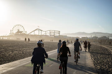 Day Trip Santa Monica and Venice Beach Bike Adventure Tour near Santa Monica, California