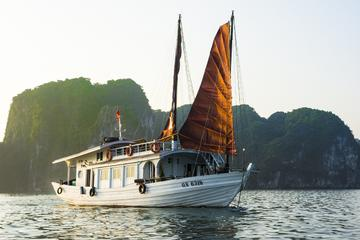 Full Day Halong Bay Tour Including Bamboo Boat