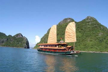 Overnight Bai Tu Long Bay and Halong Bay Cruise
