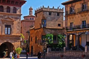 Excursão privada pelo Poble Espanyol em Barcelona