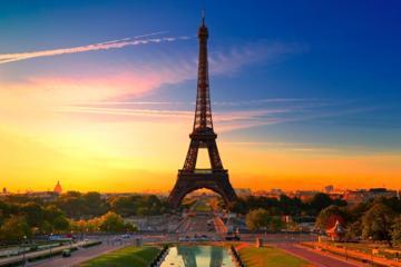 プライベート出発送迎:パリ中心部からシャルル…