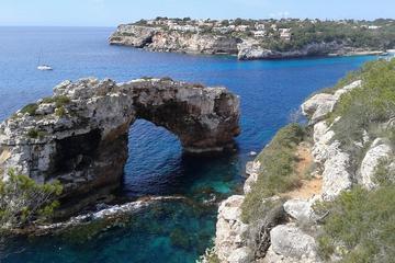 Promenade en bateau à Calo d'es Moro et circuit nature au départ de...