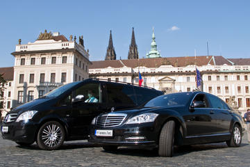 Private city transfer in Prague: Hotel - Restaurant or Theatre - Hotel