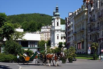 Tour privato: Karlovy Vary e castello di Loket, gita di un giorno da