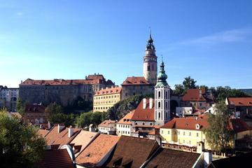 Traslado privado de Praga para Salzburgo com parada em Cesky Krumlov