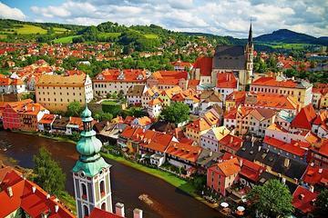 Traslado privado de Praga para Viena com parada em Cesky Krumlov
