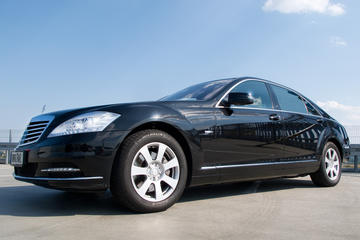 Vienna Private Transfer to Prague in a Luxury Vehicle