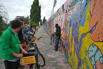 Berlin Wall Bike Tour with German-Speaking Guide