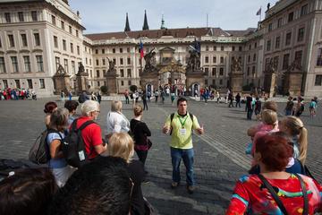 Tour: Prager Burg und Burgviertel mit...