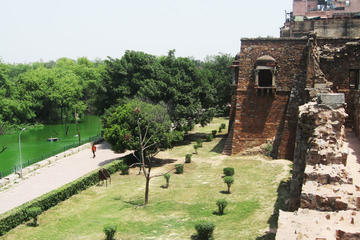 Hauz Khas Village Walking Tour