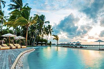 Secluded Seven Mile Beach Resort Daycation