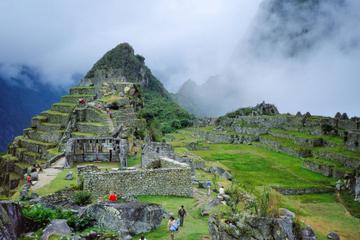 Excursão de 8 dias para Machu Picchu e Lago Titicaca saindo de Lima