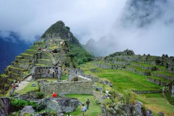 Private Overnight Tour: Inca Trail to Machu Picchu