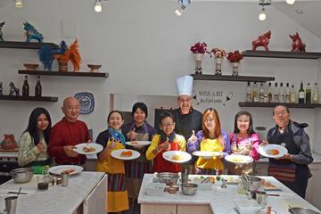 Visita privada exclusiva a un mercado peruano y clase de cocina