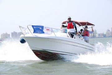 2-Hour Private Beginner Power Boating Course in Mumbai Harbor